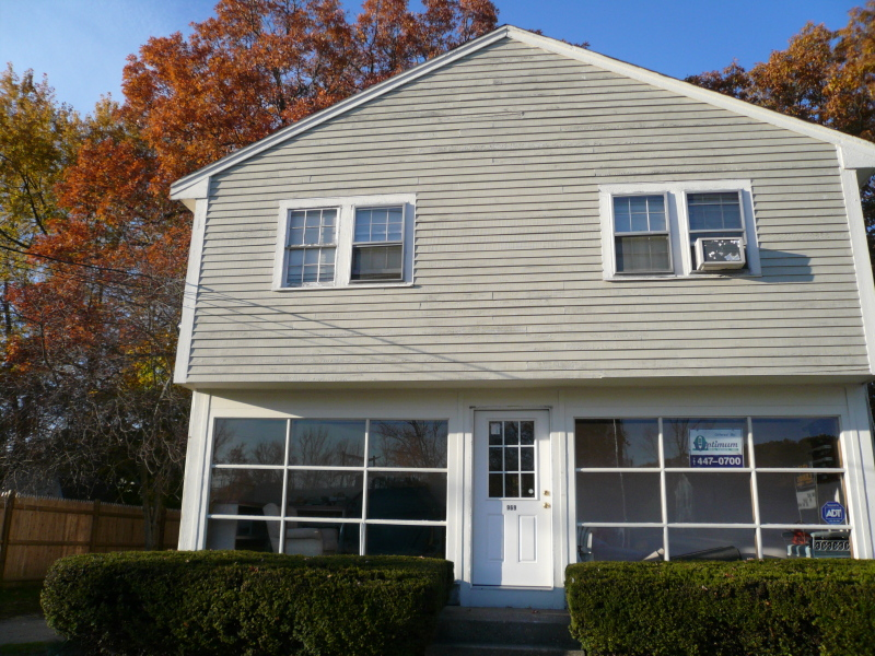 Commercial Property - 107 Temple Street, Whitman